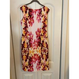 Adrianna Papell Size 8 Floral Dress
